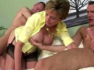 Lady Sonia Obtém Spitroasted Um Par De Galos Hald Idade Dela Porn