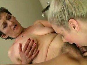 Jovem Joga Com Mulher Mais Velha Porn