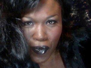 Amante Onyx - Batom Preto Fumando Fetiche Porn