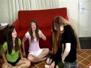Quatro Garotas Tirando A Roupa Porn