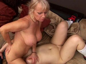Porra De Rought Com Mãe Lésbica Madura E Adolescente Submisso Porn