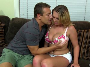 Brooke Wylde Está Precisando De Pau Grande Do Amante Entre Os Lábios - Brooke Wylde Porn