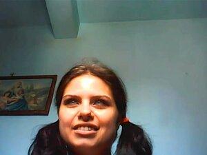 Querida Curvilínea Acerta Sua Fenda Na Webcam HD, Muito Cheio De Curvas E Incrivelmente Fuckable Grande Bunda Vadia Com Aldravas Enormes Acerta Sua Vulva Em Uma Webcam De Alta Qualidade E Está ótimo. Porn