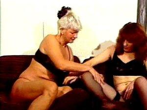 Lambendo Garota Lésbica Lésbicas Garota Buceta Peluda Porn