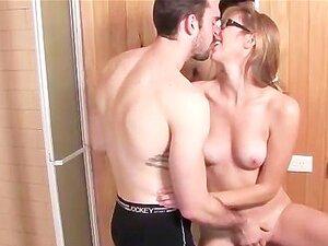 Tesão Amador Loiro Em Copos Suga Namorados No Banheiro Porn