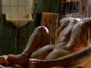 Kim Van Kooten - Celebridade Holandesa Cena De Sexo Explícito Na Chuva - Phileine Porn