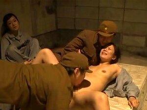 Hot Milfs Na Cadeia Aprender Algumas Lições De Sexo Duro, Estes Milfs Asiáticas Safadas Estão No Campo De Detenção. Eles Estão Incomodados No Meio Da Noite, Pelos Guardas Hoirny Que Têm A Intenção De Uma Festa Do Caralho! Eles São Parcialmente Nuas, Muito Porn