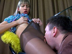 PantyhoseLine Video: Florence A And Rolf, Long-legged Florence A. Parts Her Legs Encased In Control Top Collants For Her Impatient Nylon-crazy Guy, And Rolf Takes His Time Esfreging His Cock Against Her Silky Soft Nyloned Bezerros Before Lambing And Dicki Porn