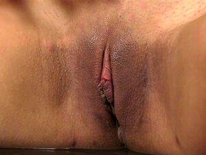 Linda Garota Mostra Seu Corpo Porn