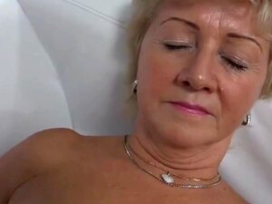 Uma Mulher Encantadora A Fazer Casting., Porn