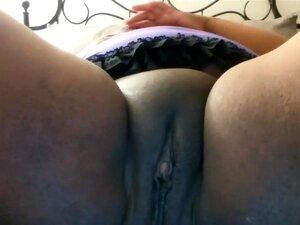 Gorda BBW Latina Com Buceta Raspada Adora Se Masturbando Com Vibrador Preto, Porn