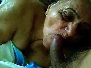 Metendo A Pica Na Velha, Porn