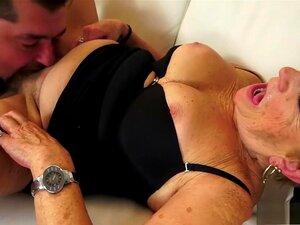 A Avozinha Loura E Busty Tem Uma Suculenta Paixão Pela Pila De Um Jovem., Porn