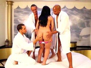 Tgirl Latina Bukkake Com Bunda Grande Groupfucked Porn