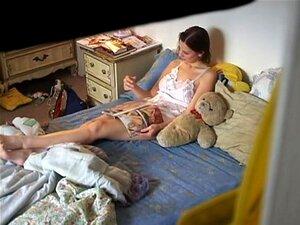 Filmei Minha Vizinha Um Brinquedo De Merda, Meu Vizinho Desagradável Gosta De Ferrar Seu Vibrador Favorito, Mas Muitas Vezes Esquece-se De Fechar A Porta. Uma Vez, Eu A Vi Ficando Selvagens, Então Peguei Minha Cam E Fez Um Clipe Caseiro Voyeur. Porn