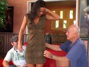 A Melhor Estrela Porno Do Fabuloso Voyeur, Tatuagens Xxx Video. Uma Morena Tatuada Sexy Fica Com Ela Enquanto é Vista Nesta Sessão De Sexo Escaldante Do Cheaters Club XXX's Cheating Wives 26, Enchendo A Sua Rata Com A Pila Dura Que Ela Tanto Anseia,e Term Porn