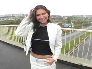 Morena Super Sensual Jessica Fiorentino Pisca Na Câmara E Tem Sexo Em Público Porn