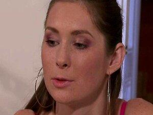 Sensual Mulher Trai O Marido Com Cara De Pizza Porn