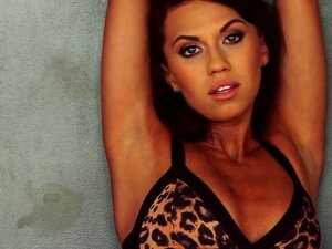 Beleza Magra Justine Miller Está Posando Nua No Vídeo Porn