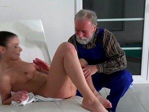 Velho-n-jovem. - Anita Bellini-o Velho Põe-se Numa Boca Nova Porn