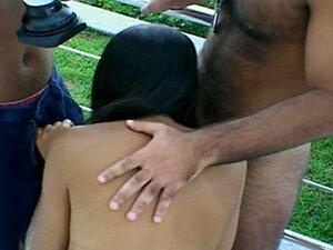 Linda Garota Adolescente Brasileira Transando Na Câmera, Primeira Vez Porn