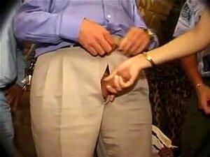 Vovós Excêntrico Adoráveis Aproveitar A Batida Pesada, Muito Lascivas E Fuckable Mulheres Maduras Estão Tomando Dicks Grandes Em Seus Imbecis E Receber Tratamentos Faciais Neste Filme De Maturidade Sexual. Porn