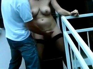 A Minha Mulher Francesa Emproada Adquire Sexo Ao Ar Livre E Na Cama, A Minha Mulher Preta Mais Velha, Com Mamas Grandes E Naturais, A Usar Meias Escuras, Suga-me A Pila E Dá-lhe Uma Coça. Depois, Este Mel Monta O Meu Pénis Numa Pose De Vaqueira, Expondo O Porn