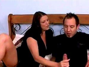 Mãe A Apanhar Filhos Amigo Bater Uma Punheta Porn