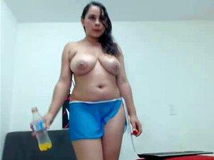 Linda Me Latin Chick Com Ricas Peitos Naturais, Porn