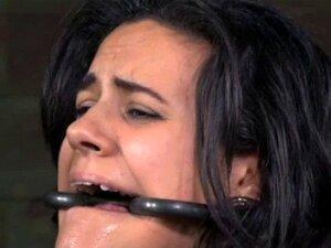 Sub BDSM Tem Bónus Severly Caned As Mamas. BDSM Sub Tem Seu Peitos Colados Caned Severly Enquanto Contido Porn
