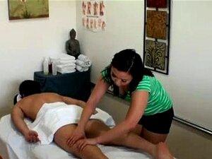 Massagista Coloca As Mãos No Pau Dele Porn