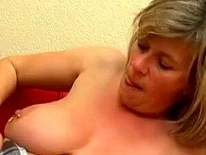 Madura Peituda Marina Montana Obtém Sua Primeira Foda... Porn