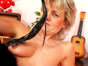 Maduras Move Brinquedo Em Sua Buceta Velha Porn