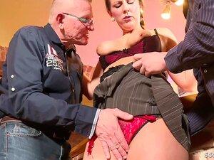 A GRANDE MAMA ALEMÃ SEDUZ O SEXO ANAL NA MÉNAGE À TROIS DA GRANDE PILA Porn
