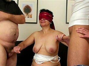 Jovem Junta-se Um Casal De Velhos Porn