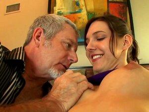 Buceta Jovem Gosta De Homens Mais Velhos Porn