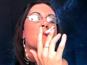 Emma Bunda Fumar Golpe De Emprego Porn