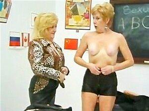 Lésbicas De Vovó Kitty Foxx E Diana Richards Porn