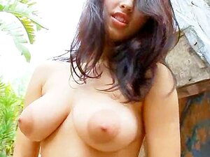 Perfeito No Peito E Buceta Esfregando Lá Fora Porn