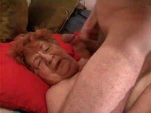 Vovó Facial Porn