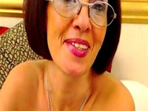 Lady Milou Madura A Espalhar Buracos Na Webcam Porn