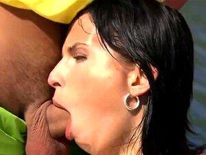 Corpo Perfeito A Mamã Renata Black é Fodida A Amiga Do Terno Filho Porn