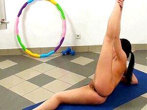 Nude Babe Teen Fazendo Exercícios De Fitness Porn