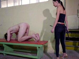 Vídeo De Tortura Amador Com Mendigar Por Pedicura E O Seu Escravo A Implorar Por Pedicura Porn