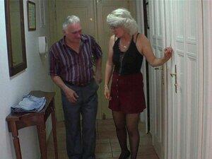 Um Casal De Velhos Enganava Os Filhos, Uma Teenie Loura. Um Casal Velho Engana Os Filhos Loiro Teenie Porn