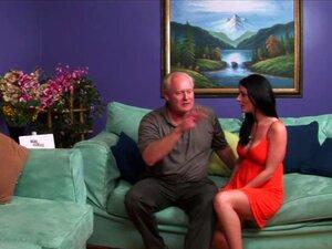 Preto E Branco Casais Mudam Seus Parceiros Para A Festa De Swingers Porn