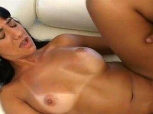 Cara Linda Anselmo Está Tendo Uma Relação Sexual Incrível Com Maravilhosa Gata Latina Alanis, Que Está A Gritar De Prazer, Ela Está Tendo Como Uma Criancinha. Porn