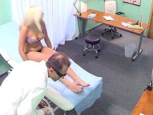 A Melhor Estrela Pornográfica Do Fabuloso Vídeo Sexual  Voyeur ., Porn