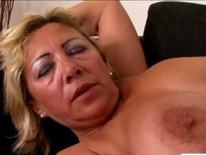 BIG Blonde Granny Tenta BIG BLACK COCK Pela Primeira Vez Porn