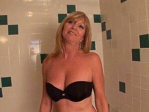 Uma Estrela Porno Incrível, Jessica Sexxxton, Com Um Vídeo Pornográfico Sensual E Maduro. Jessica Sexxxton Tem Vindo A Alterar-se Em Várias Roupas Diferentes, Ao Ver Se Ela Pode Ficar Excitado E Até Agora, Ela é Toda Gostosa Uma Incomodado E Precisa Se Re Porn